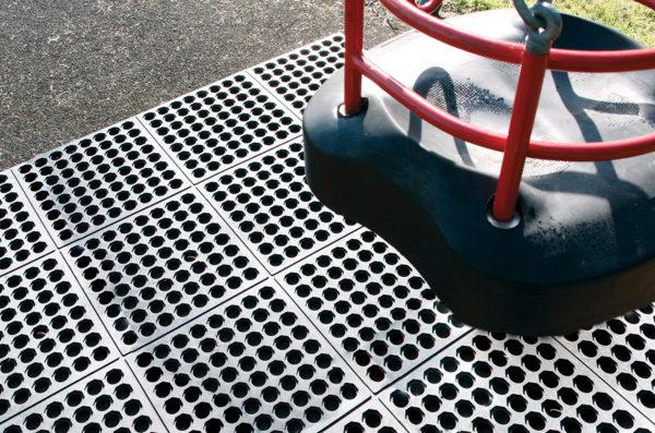 Fallschutzmatte 01_Fatigue-Step_Playground