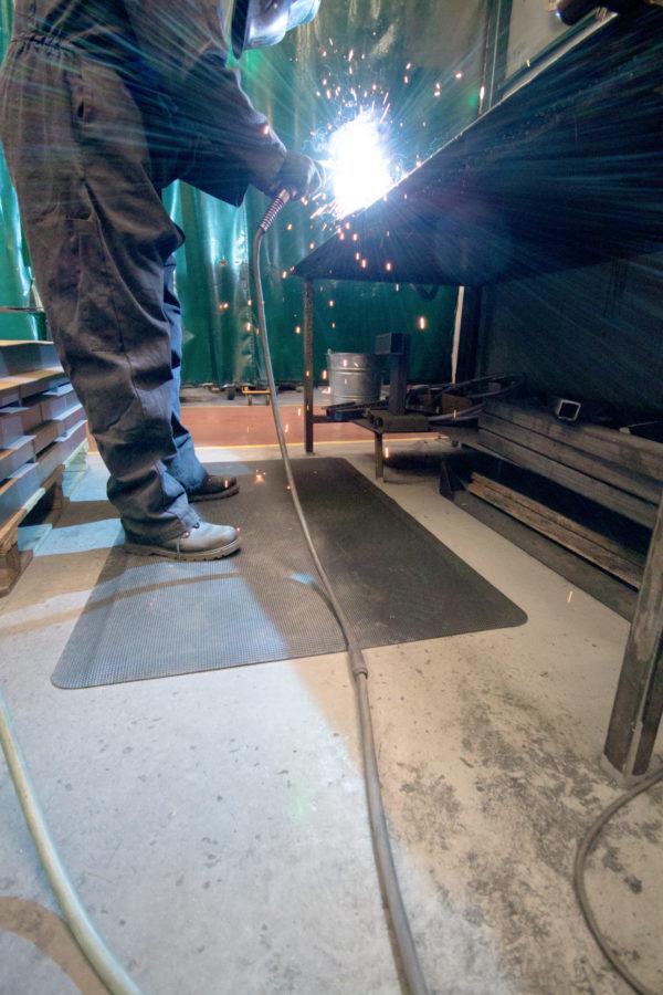 Industriematte für Schweißarbeitsplätze Diamond_Tread